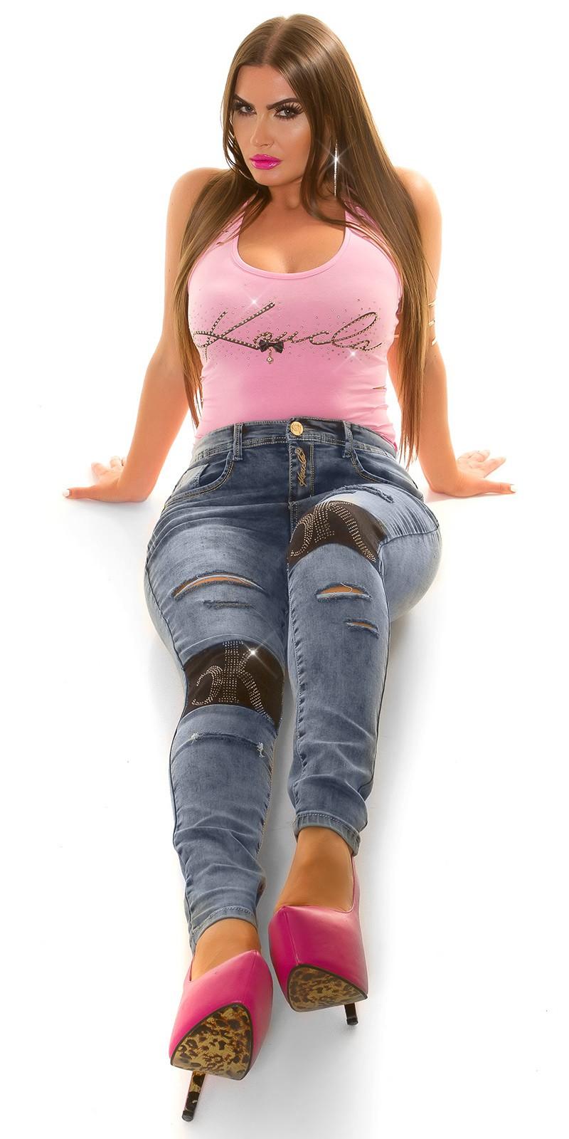 Blugi Curvy Girls fashion aspect uzat strasuri