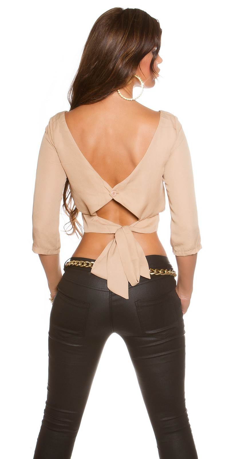 Bluze scurte cu spatele gol la moda