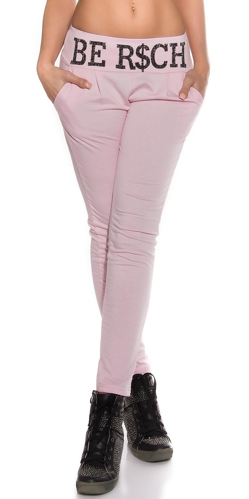 Pantaloni sport la moda