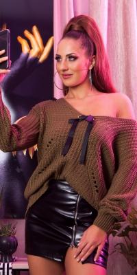 Pulover la moda cu decolteu in v tricot cu cu fundite