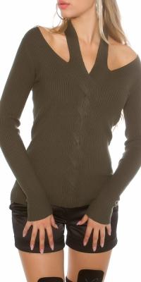 Pulovere la moda cu striatii care se leaga in jurul gatului